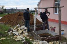 Ведутся работы по строительству колодца в детском садике №4