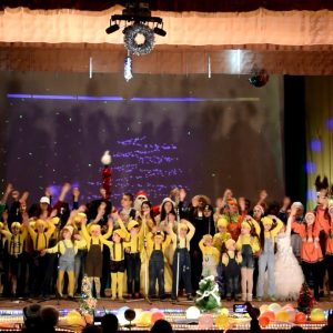 (ВИДЕО) В ДК 30 декабря был показан новогодний мюзикл «Операция С новым годом»