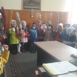 Дети подготовительной группы садика «Буратино» навестили примара с колядками и поздравлениями