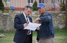 Примар проинспектировал ход строительства новой спортивной площадки строящаяся под эгидой президента Молдовы