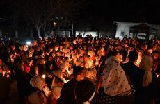 Тысячи односельчан встретили Пасху во время ночного богослужения в церкви Успения Пресвятой Богородицы