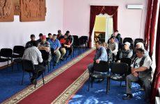 По инициативе примэрии прошло рабочее совещание с участием чабанов и хозяев поголовья частного сектора