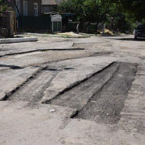 По улице Садовая осуществляется асфальтирование дорожного покрытия
