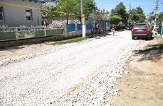 Примар вместе с жителями улиц и подрядной организацией проверили ход строительства дорог на улицах «28 июня» и «Гагарина»