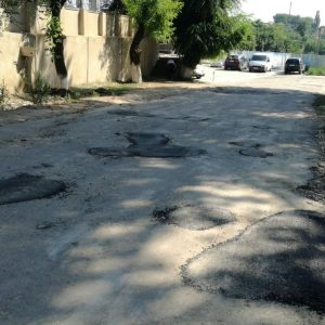 По улице Советская и Бориса Главана примэрией проводится плановый ямочный ремонт асфальтного покрытия