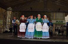 Копчак отметил своё 227-летие на площади вместе с тысячами односельчан и гостями села