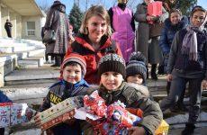 В канун Нового года и рождественских праздников в Копчаке подарки получили более 180 детей