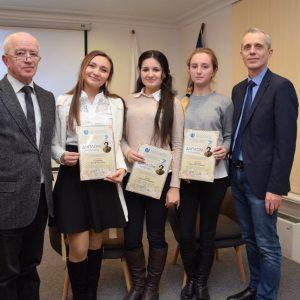 3 ученицы обоих лицеев Копчака стали победительницами конкурса эссепосвящённый 150-летнему юбилею Максима Горького