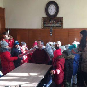 Воспитанники детского сада №3 «Солнышко» поздравили сотрудников примэрии с наступающим Рождеством