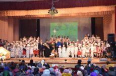 (ФОТО/ВИДЕО) Полный зал Дома Культуры собрал традиционный Рождественский концерт воспитанников воскресной школы Свято-Успенского храма