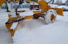 Коммунальная служба примэрии задействовав 3 единицы спецтехники и грейдер очистила большинство улиц от снега
