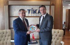 25 апреля состоялась встреча Олега Гаризан с Башканом турецкого агентства ТИКА — Серканом Кайалар в Анкаре