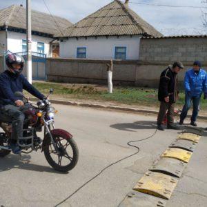 Установка искусственных неровностей по ул. Родака