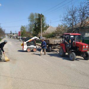 23 апреля была очищена проезжая часть улиц Ленина и Крупская