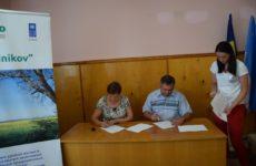 24 июля состоялось подписание контрактов с бенефициарами сел МИГ-а «Долина Родников» на реализацию микропроектов