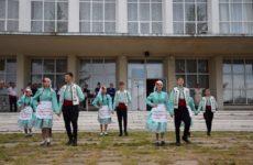 7 июля состоялся праздничный концерт ко Дню семьи, любви и верности на площади перед Домом Культуры
