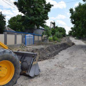 Полным ходом идёт установка нового водопровода по ул. Пирогова