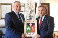 Олег Гаризан в рамках встречи с мэром Энеза, пригласил турецкую делегацию посетить Копчак