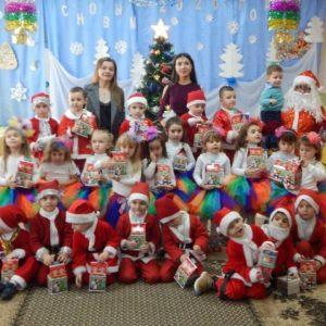 Новогодние театрализованные представления прошли в детских садах Копчака