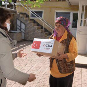 Пенсионеры села Копчак получили гуманитарную помощь от турецкого агенства TIKA