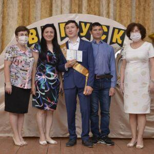 Состоялось вручение дипломов 18 — ти выпускникам гуманитарного профиля лицея им. С.И. Барановского