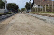 Дорога по улице Комсомольская укладывается в бетонном покрытии