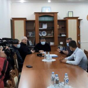 Председатель НСГ Владимир Кысса пригласил примаров и представителей сёл Дезгинжа и Копчак на личную встречу