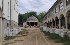 В Копчак прибыли первые 42 тонны мрамора